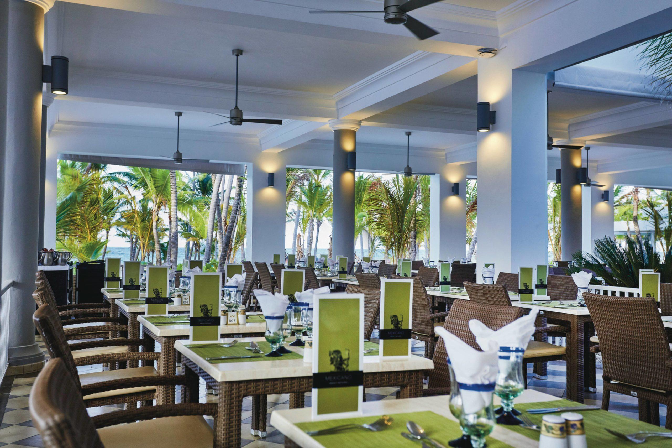 Фото ресторана в отеле RiuBambu