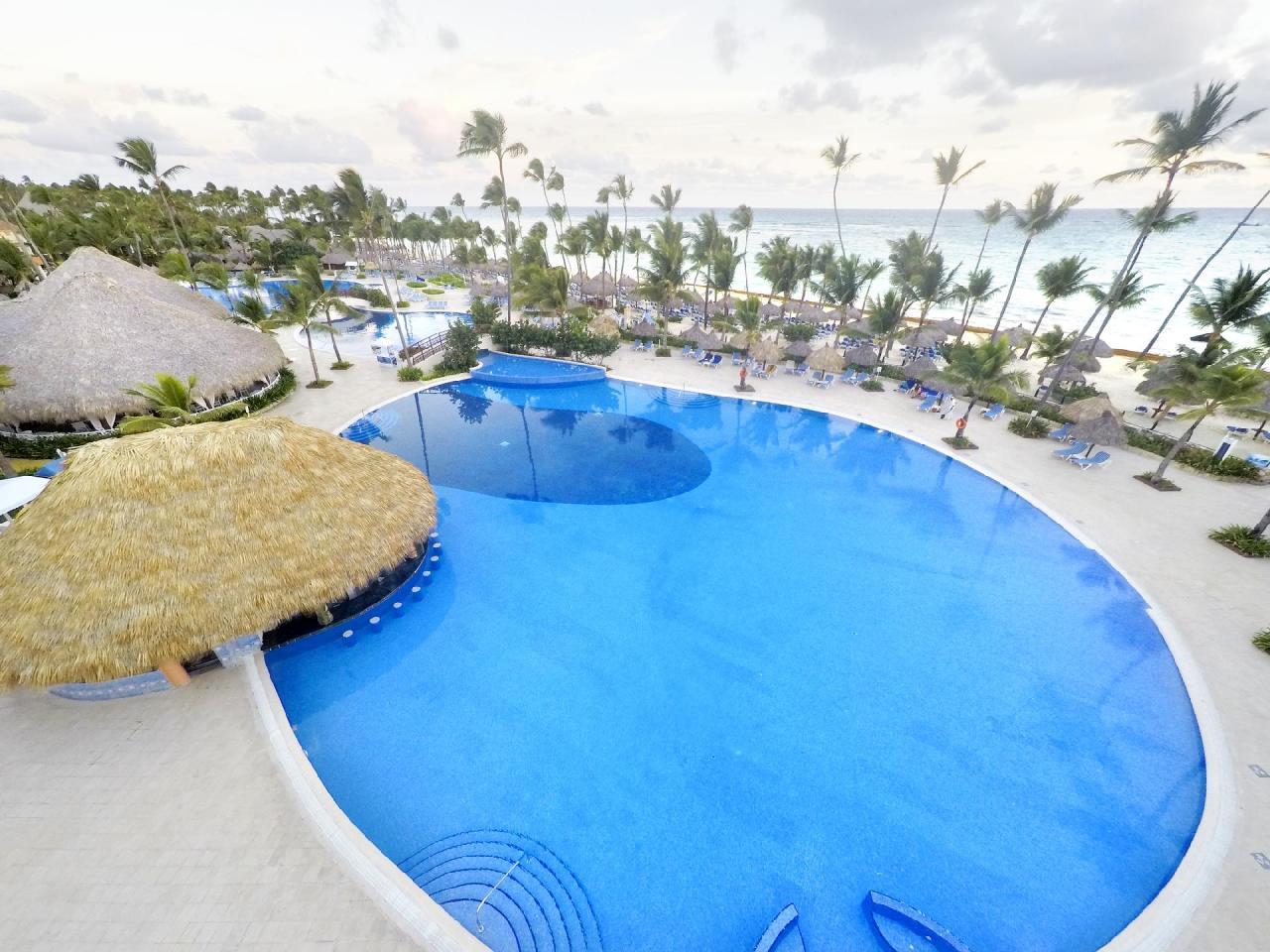 Фото бассейна в Grand Bahia Principe Bavaro 5*