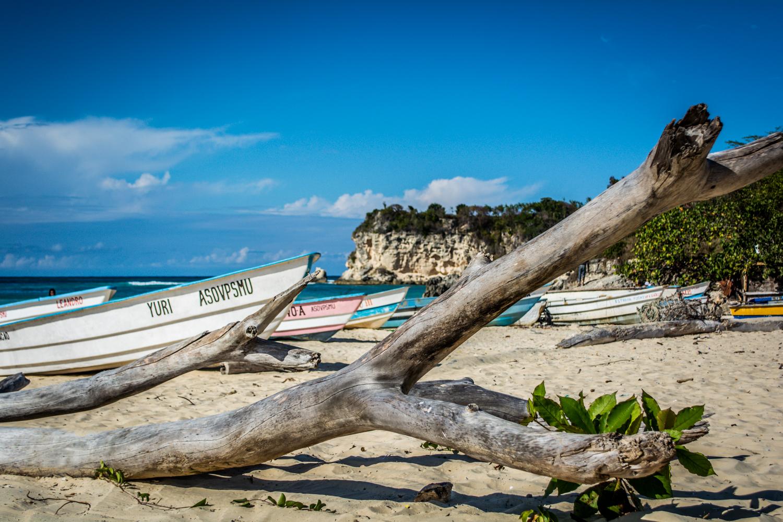 Фото лодок на пляже