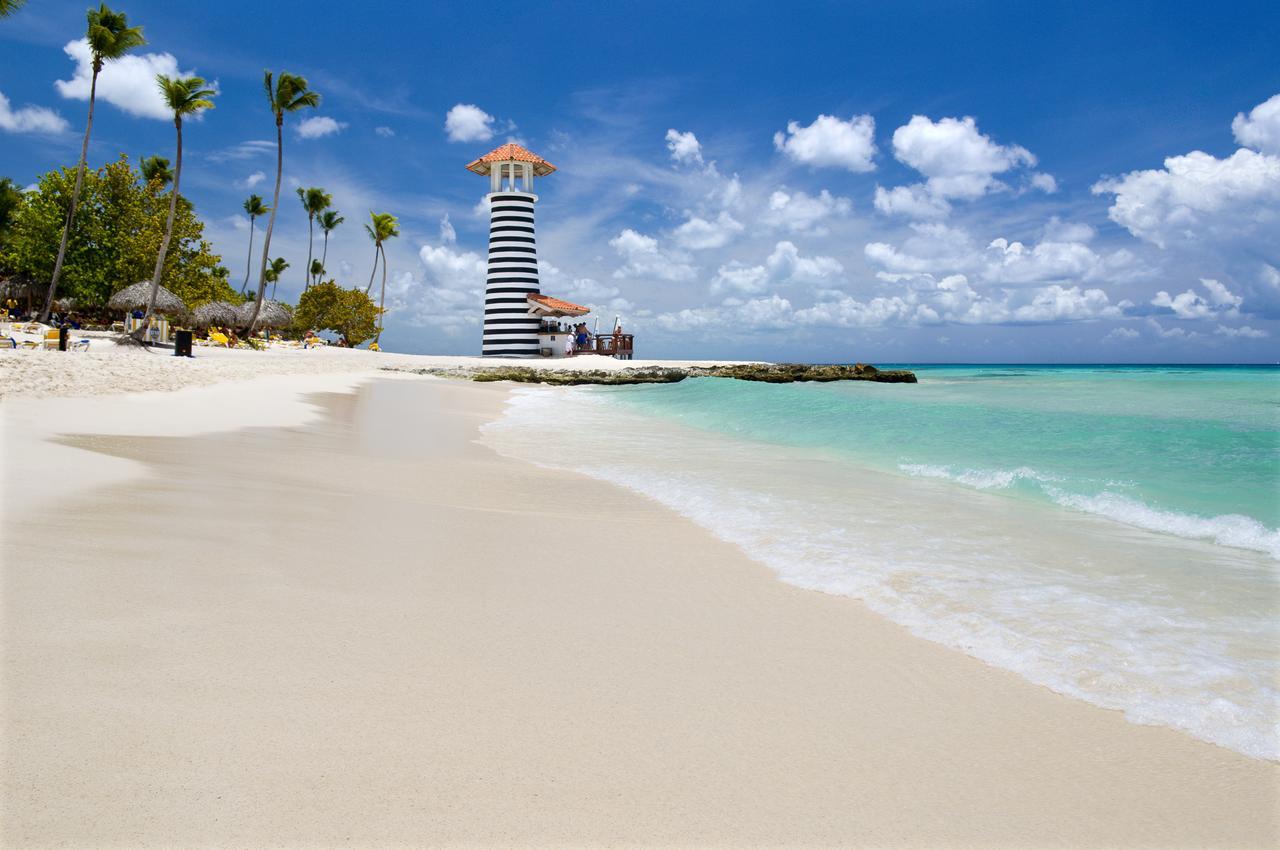 Песчаный пляж Байяибе в Доминикане