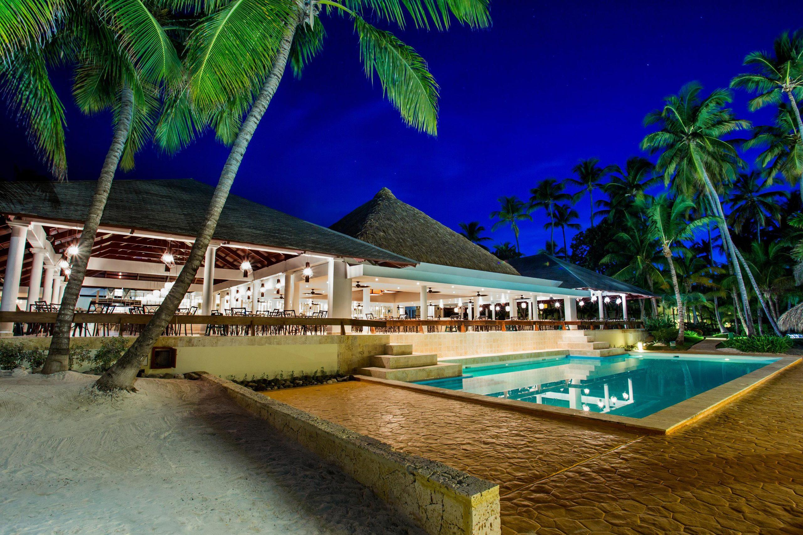 На фото гостиница Мелия Карибы Тропикал в Доминикане