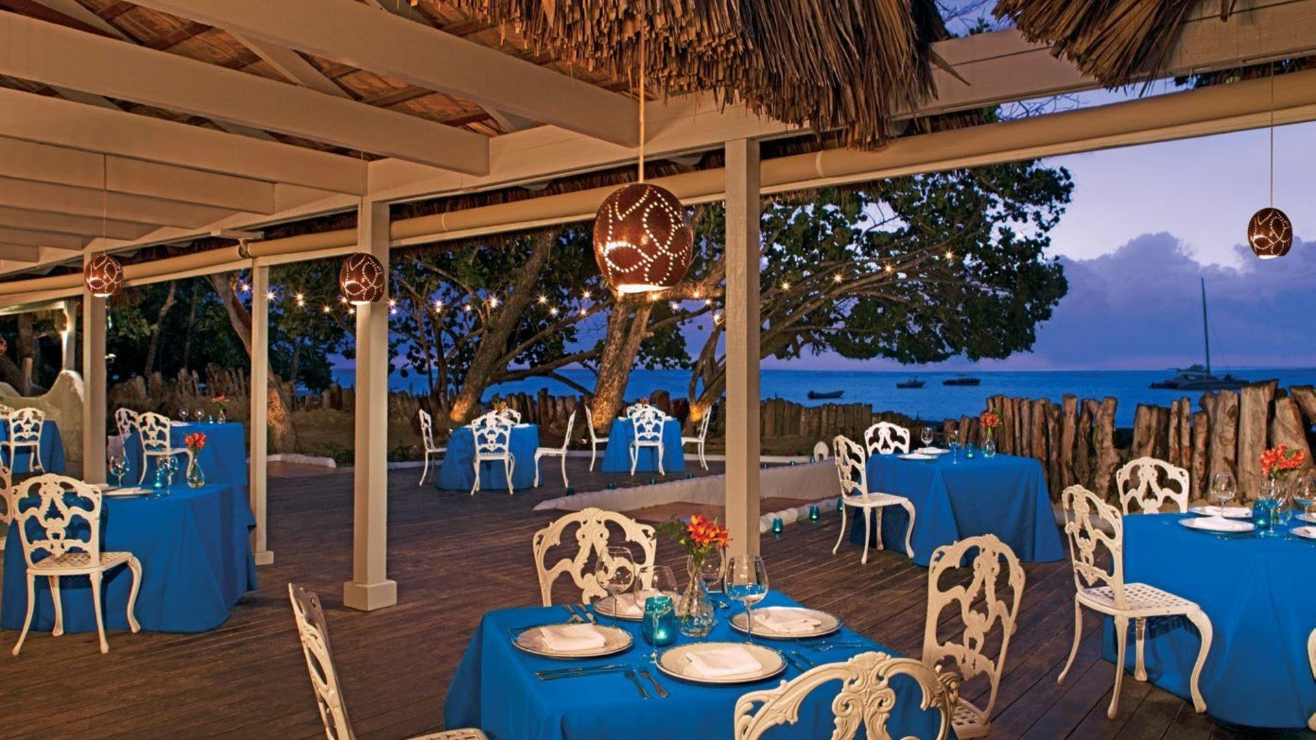 Кафе и рестораны на курорте