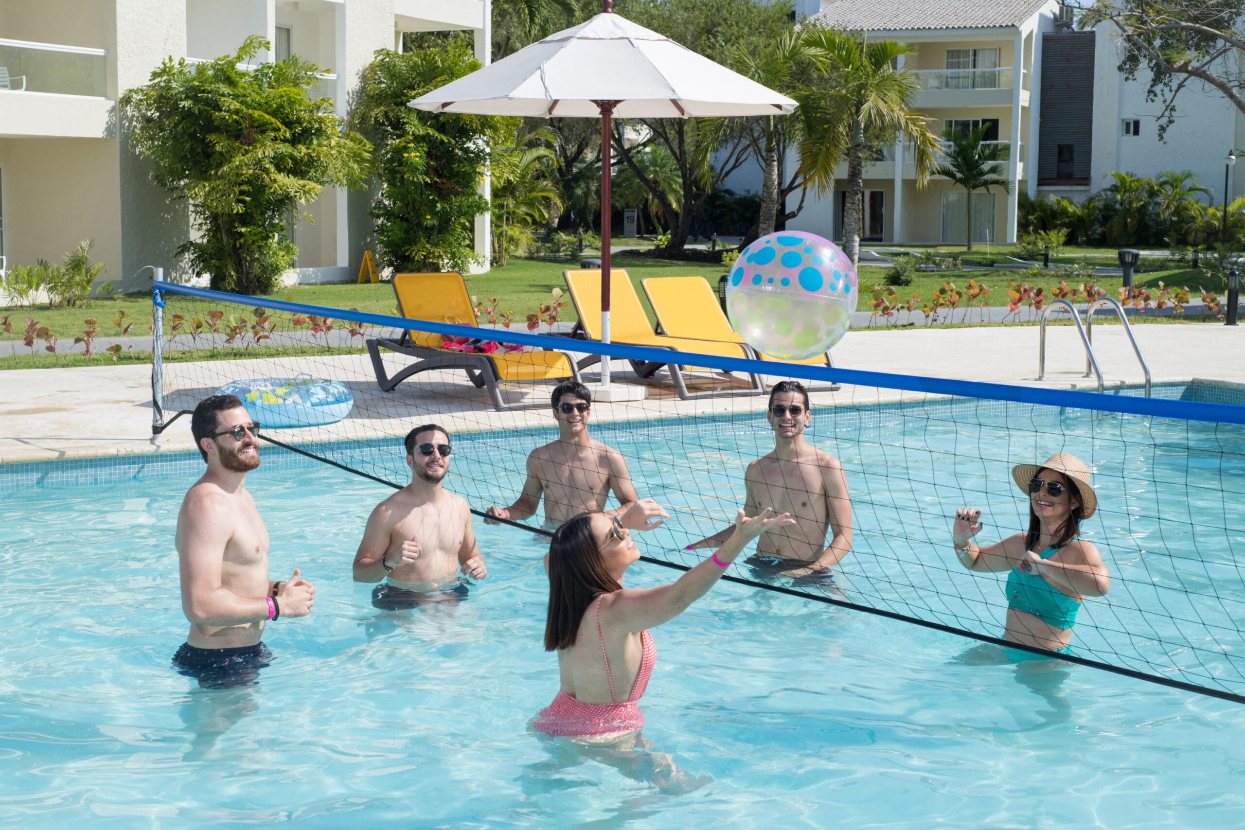 Фото игры в водный волейбол