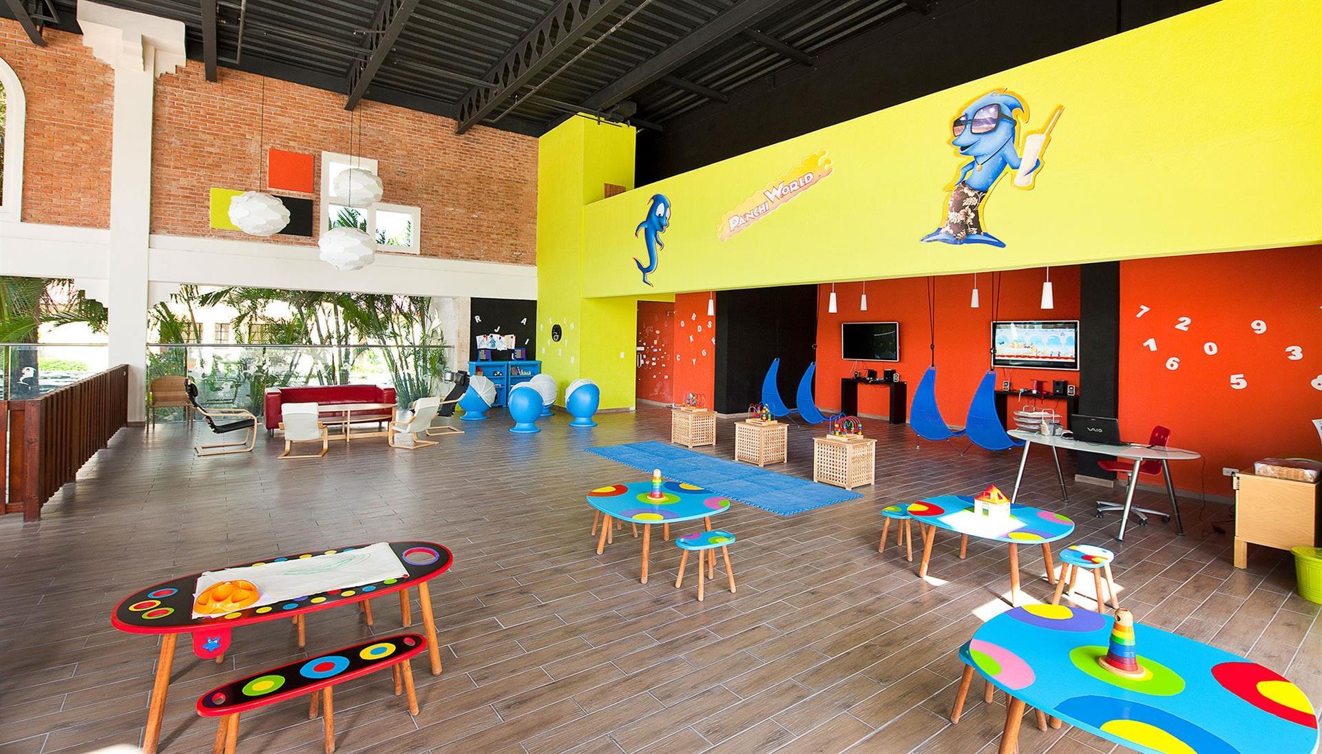 Фото игровой комнаты в IFA Villas Bavaro Resort & Spa