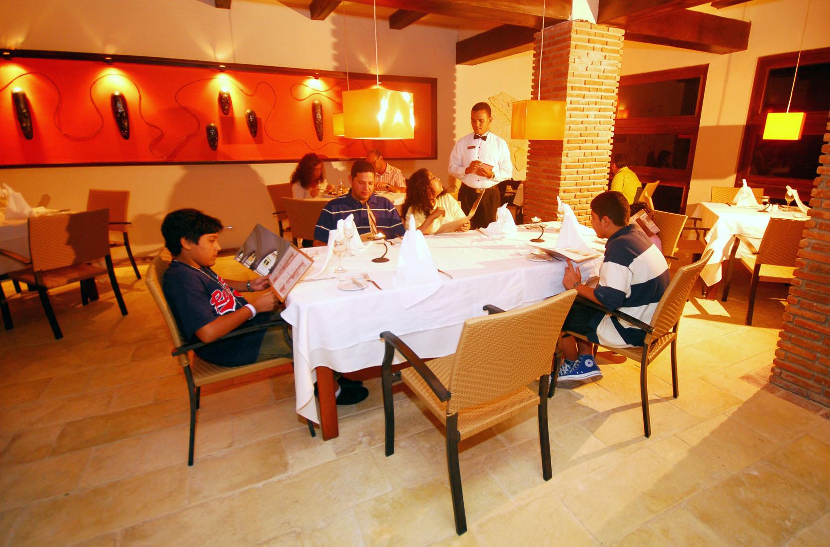 Фото обслуживания в IFA Villas Bavaro Resort & Spa