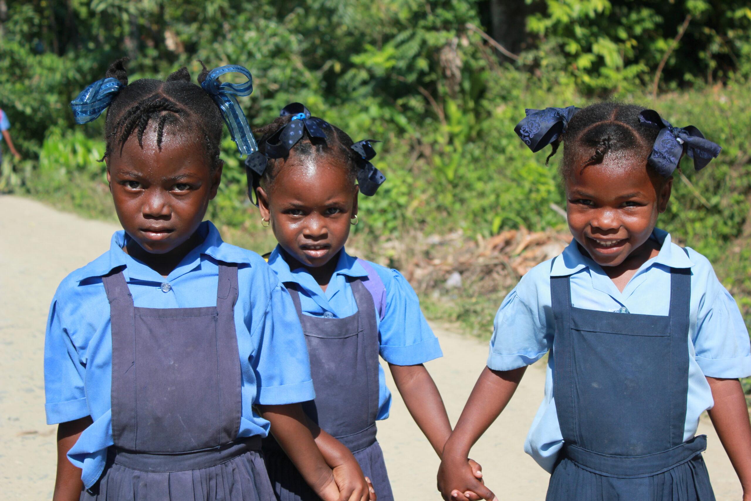 Фото школьниц